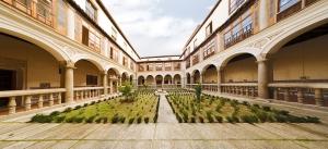 Toledo_Convento_Comendadoras_de_Santiago_Patio_de_la_Mona
